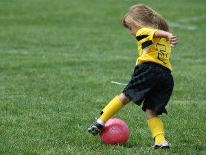 kinder sport fu ball eine der beliebtesten sportarten. Black Bedroom Furniture Sets. Home Design Ideas